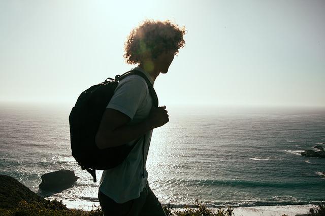 旅行、バックパッカー