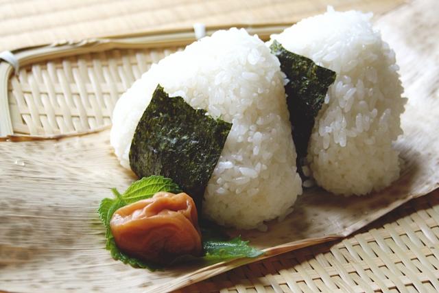 おにぎり・お弁当の食中毒を予防する方法!