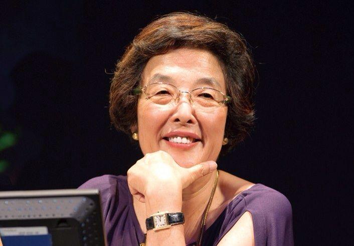 字幕翻訳家・戸田奈津子の年収や人脈は?日本で映画字幕翻訳家は20人だけ?