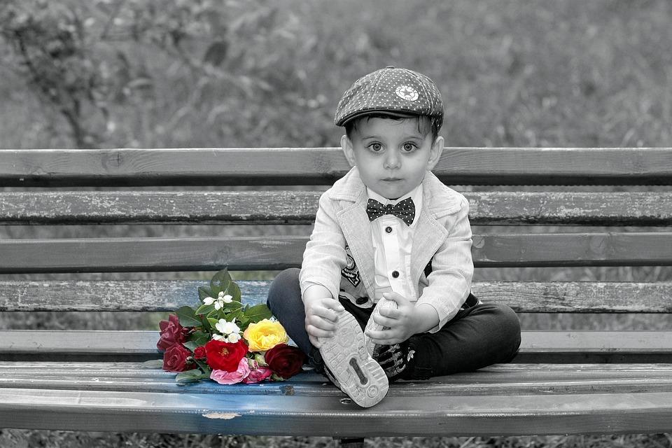 男の子 花束 白黒