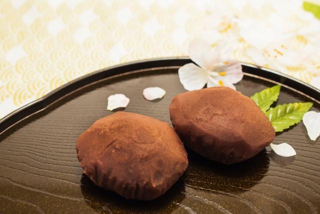 「ぼたもち」「おはぎ」の違い!春夏秋冬で名前が変わる、日本人の駄洒落文化!