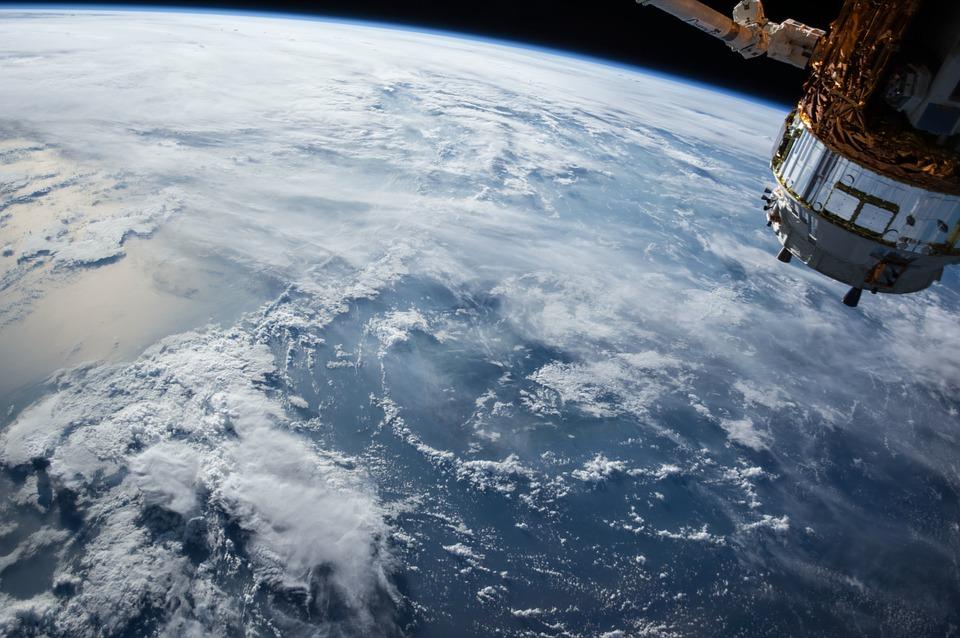 地球 衛星写真 気象