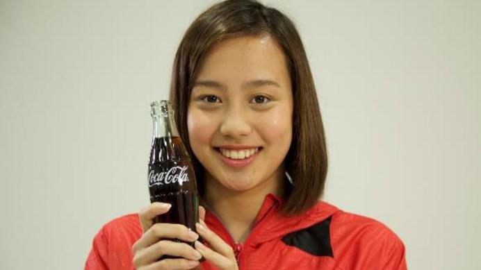 コカ・コーラCMの水泳選手・今井月(ルナ)名前の由来が!ハーフで母親が?